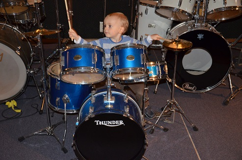 Aggelos plays the drums 2